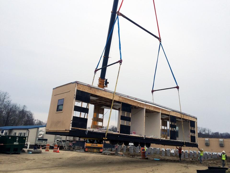crane-set-lift